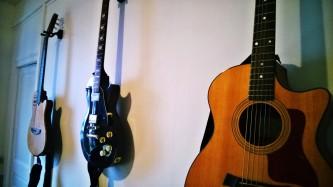 Stud guitares